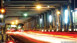 Nikmati malam dengan tahu petis di jembatan Suhat via www.malangraya.web.id