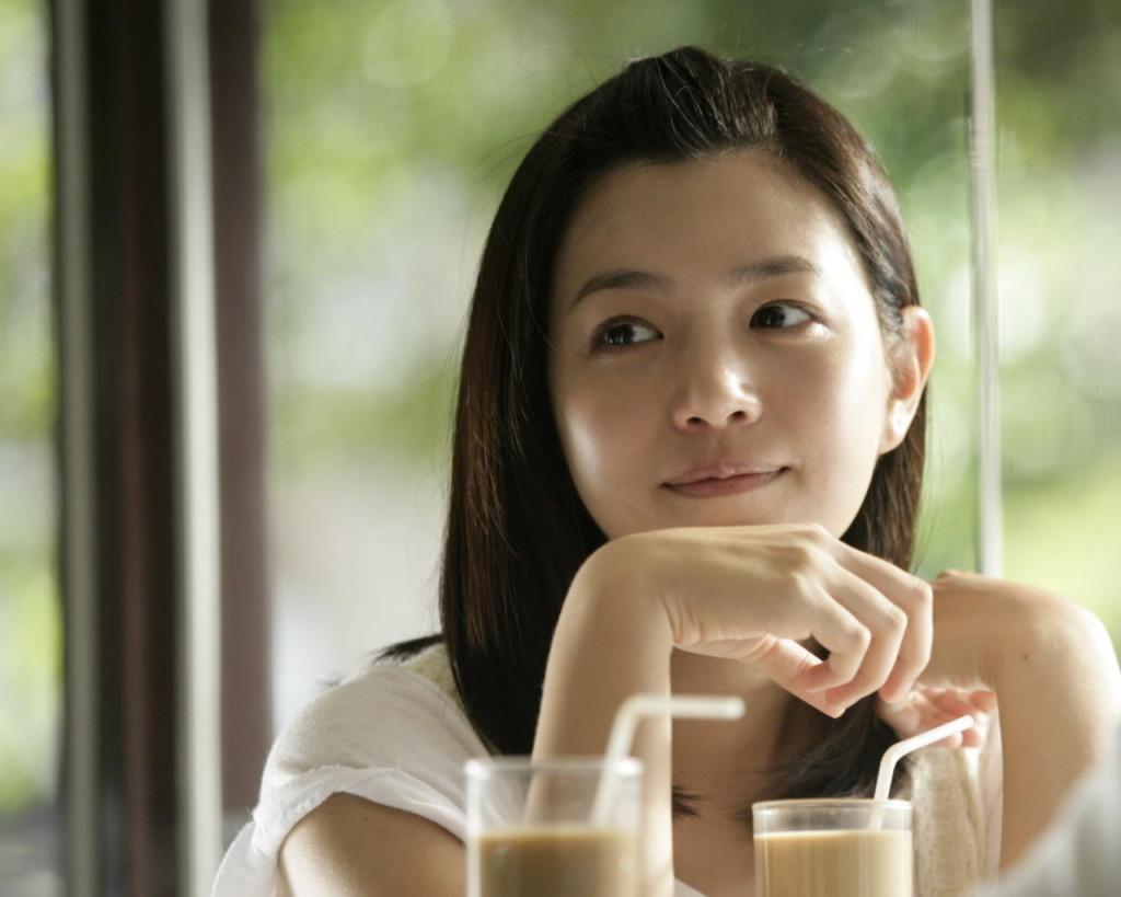 Teduhnya tatapan Chia Yi via static.dramastyle.com