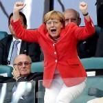 Angela Merkel merayakan kemenangan Jerman via Panditfootball