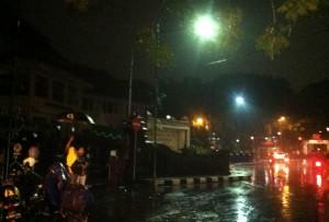 Hujan Saat Earth Hour Kota Malang