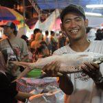 Hiruk pikuk pasar bandeng via bp.blogspot