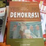 Demokrasi: Sejarah, Praktik, dan Dinamika Pemikiran
