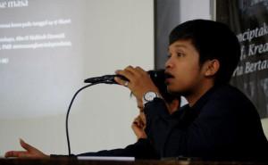 MasBen Tertangkap Kamera Saat Diam-Diam Memberikan Khotbah Idul Fitri