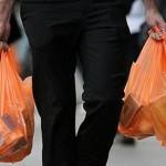 Dilema Kebijakan Plastik Berbayar