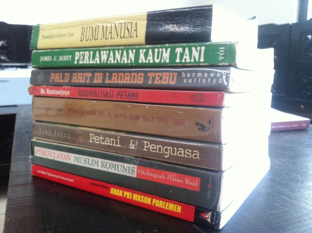Jejeran Buku (dianggap) Kiri