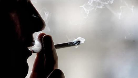 berbuka dengan rokok via google